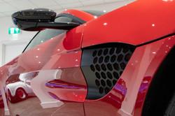 Aston Martin Vantage-12