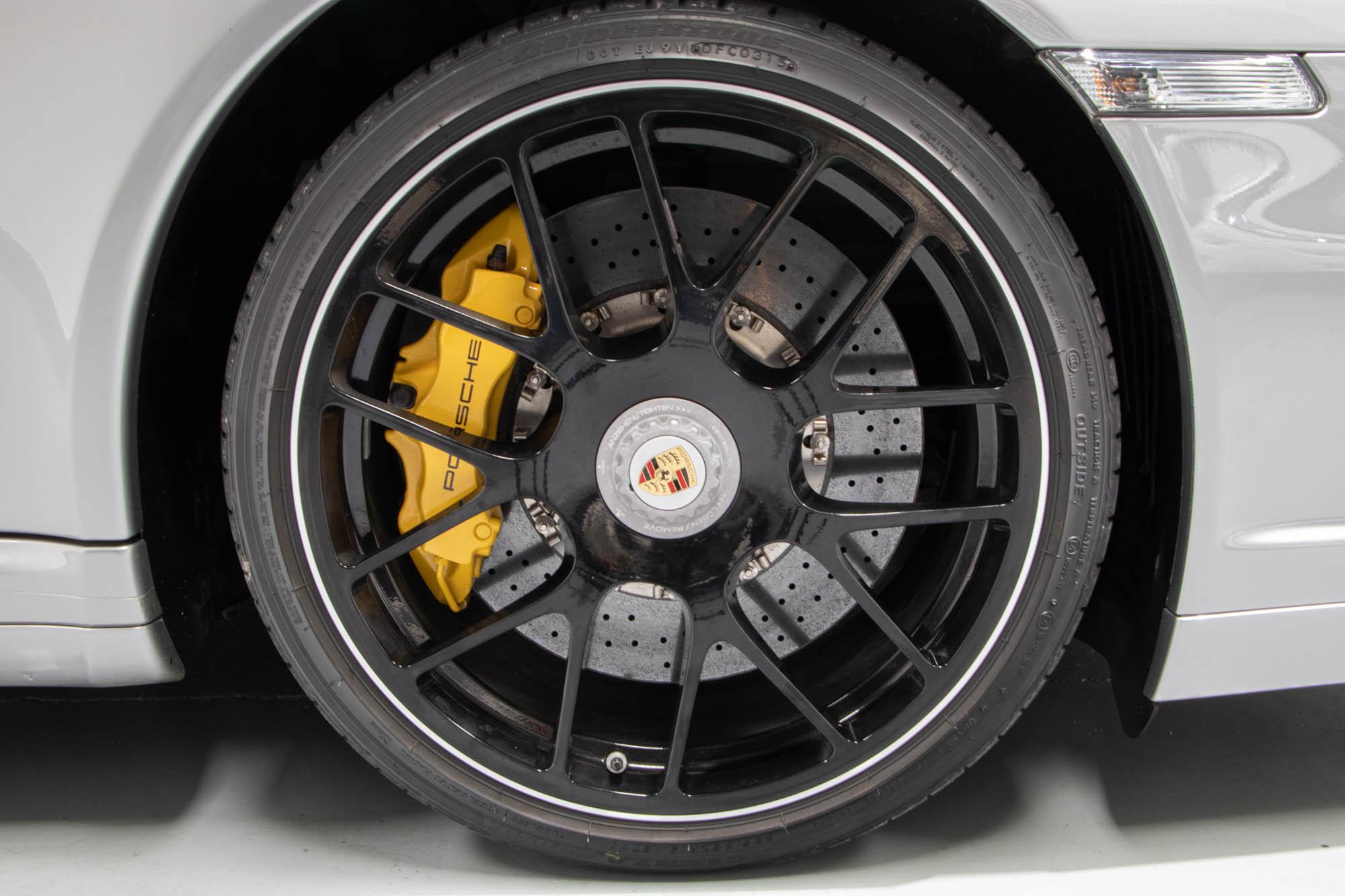997.2 Turbo S Silv-11