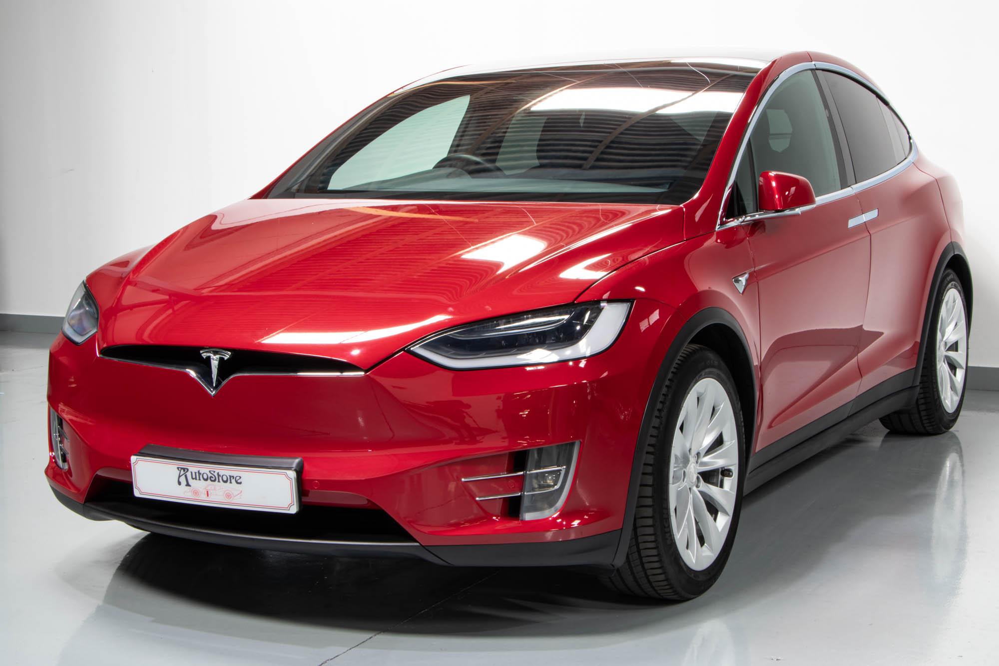 Tesla Model X-3