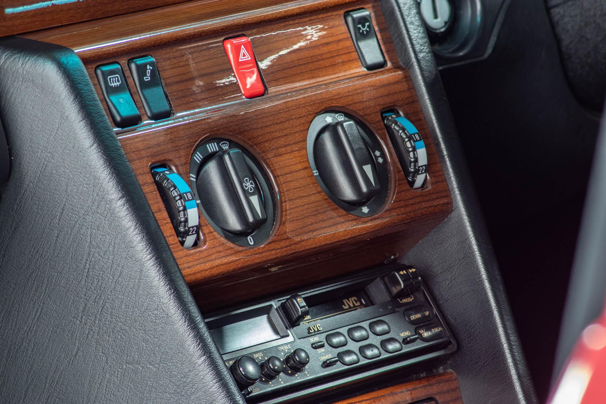 W124 Details-5