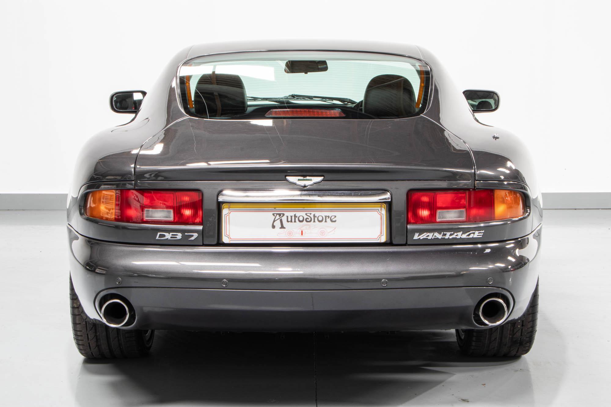 Aston DB7-6
