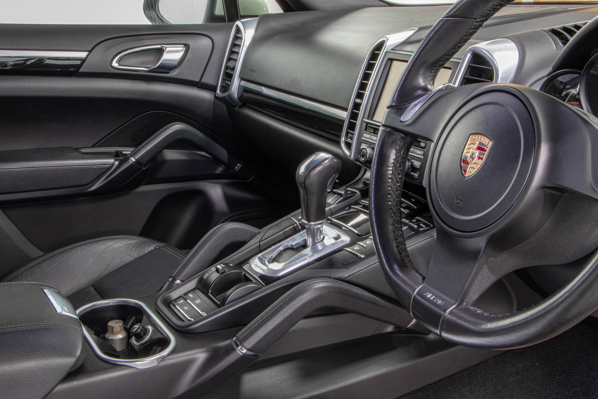 Porsche Cayenne 3.0D-1