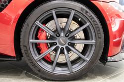 Aston Martin Vantage-10