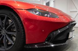 Aston Martin Vantage-13