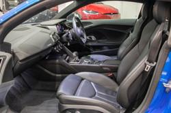 Audi R8 V10 Plus-22
