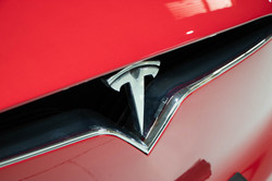 Tesla Model X-11
