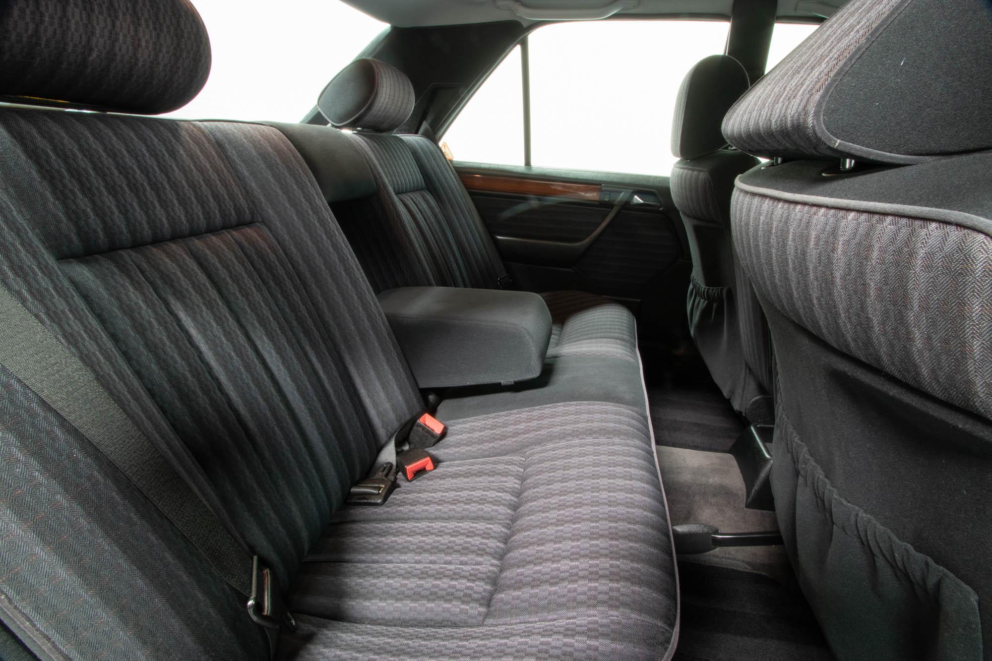 W124 Details-18