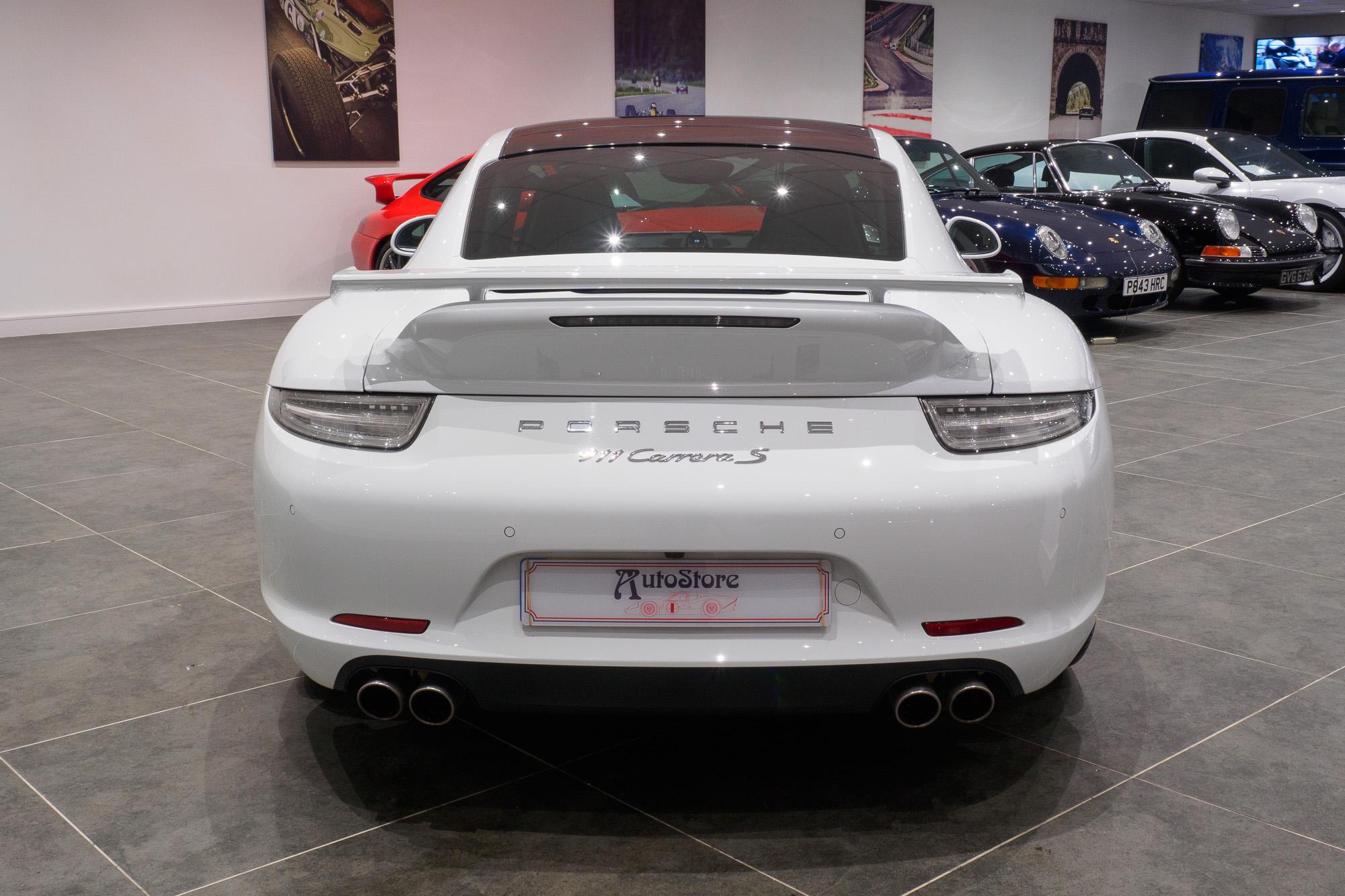Porsche 991 Carrera 2-3