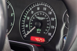 Aston Martin DB7-8