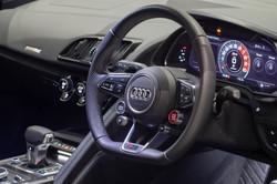 Audi R8 V10 Plus-7
