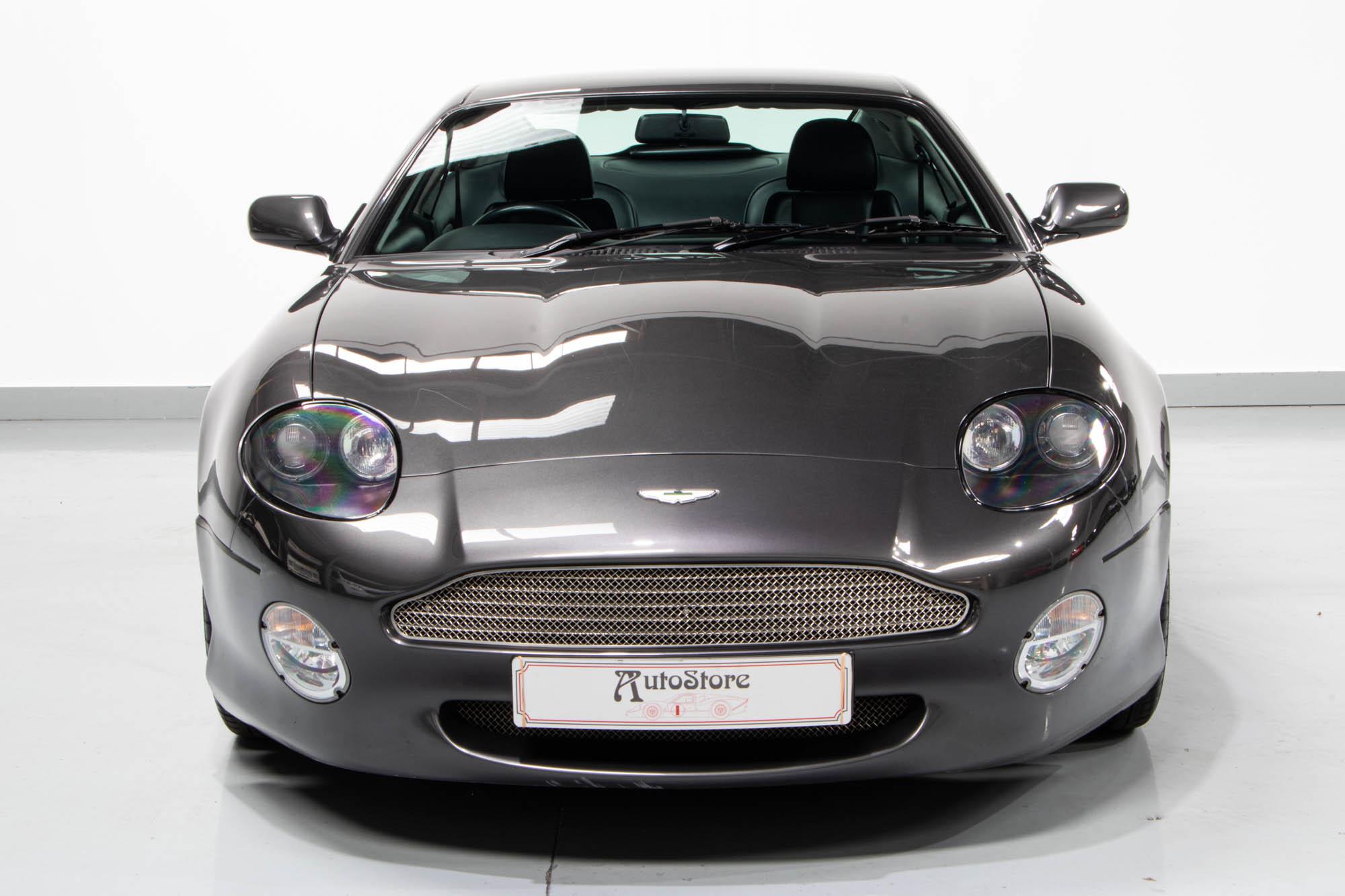 Aston DB7-1