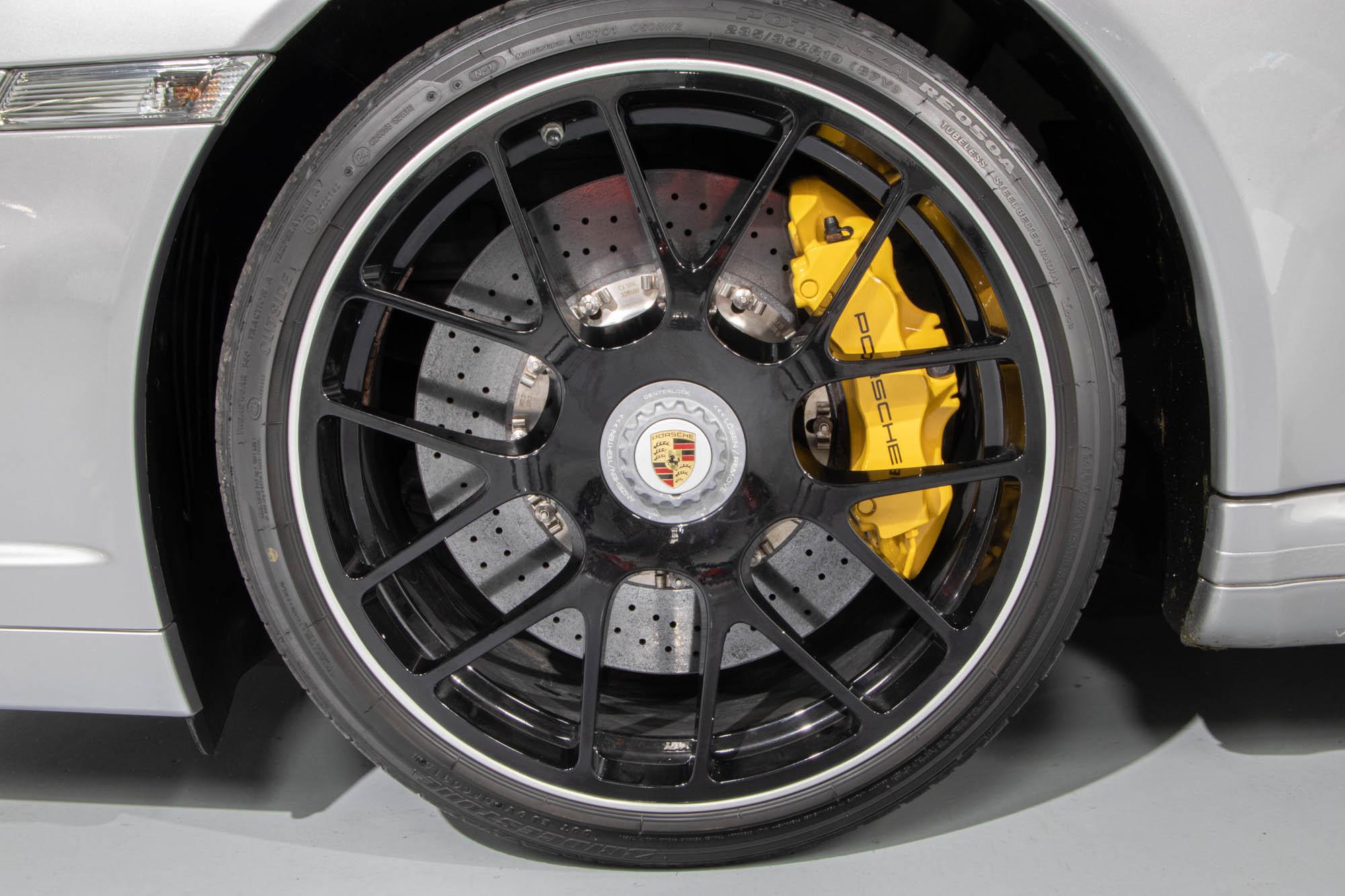 997.2 Turbo S Silv-9