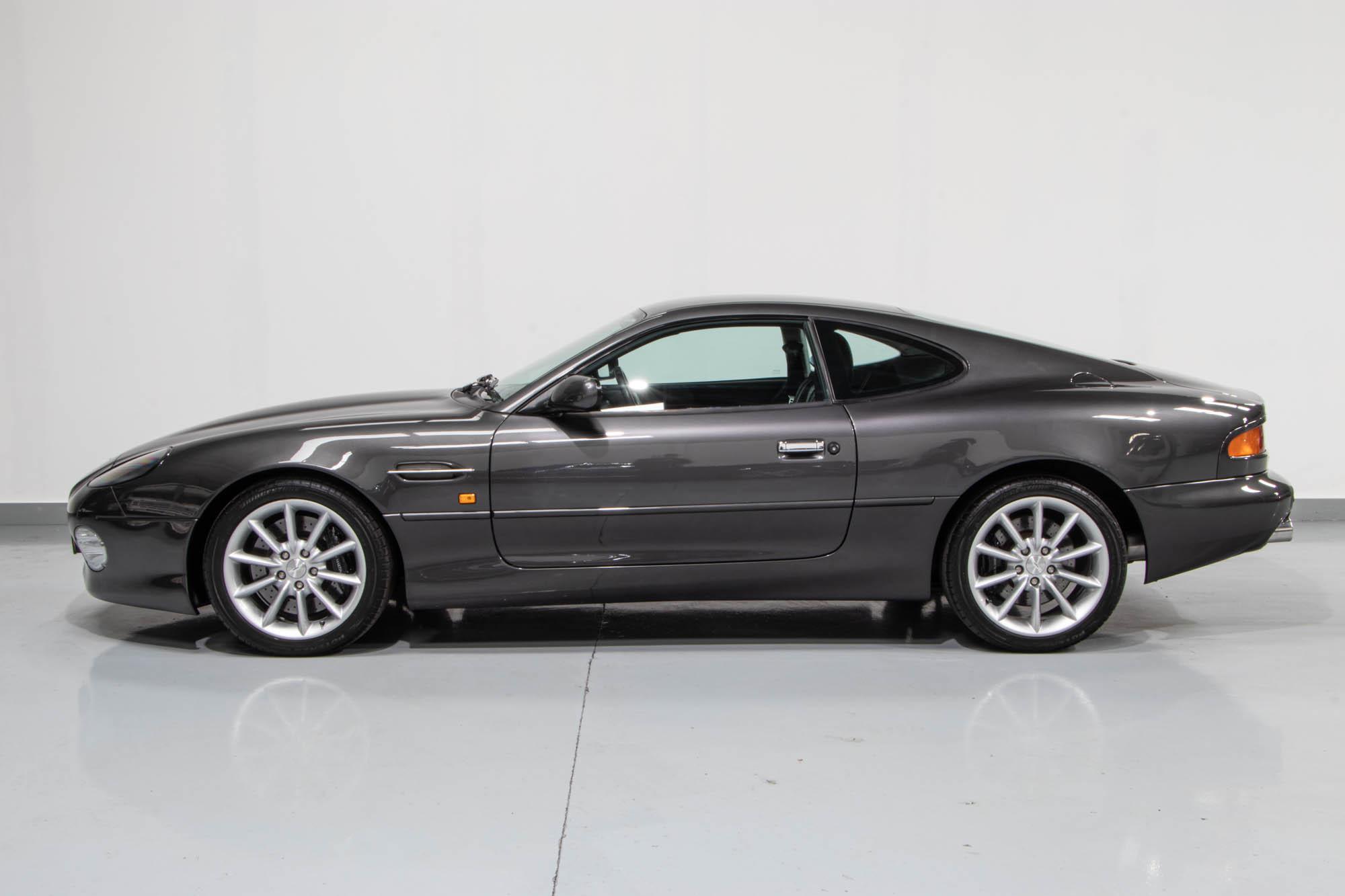 Aston DB7-5
