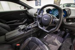 Aston Martin Vantage-35