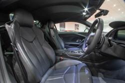 Audi R8 V10 Plus-30