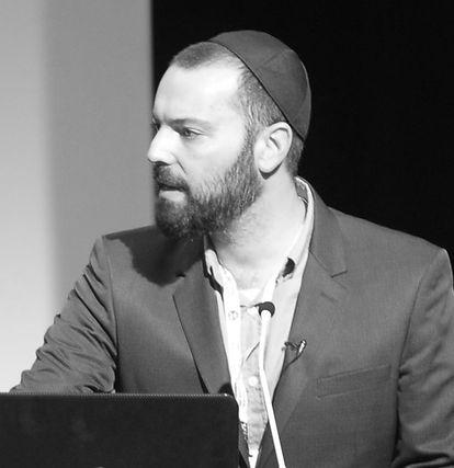 חן חיים נחמיאס בהרצאה