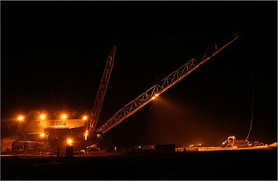Dragline at night.jpg