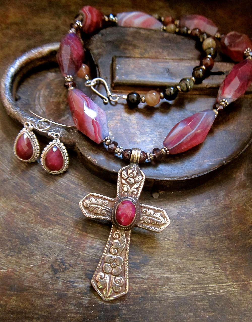 Indian Ruby Cross