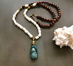 Jasper, shell and wood necklace