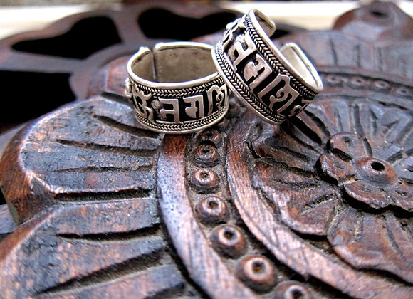 Wanderer Om Mani Padme Hum Giant Silver Cuff Ring