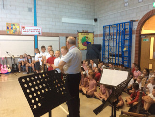 Yorkshire Education Sponsor Boothferry Primary School with a keyboard