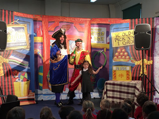 Christmas card competition winners, Swinefleet Primary, have their pantomime!