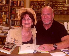 me003a and author Randy Wayne White swap