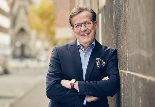 Christoph Kuckelkorn - Bestatter und Karnevalist