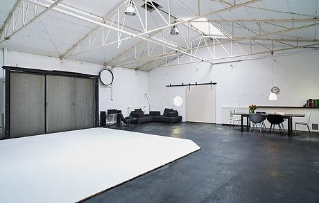 Studio mit hohen Decken.jpg