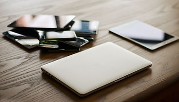 apple-devices-gadgets-207589.jpg