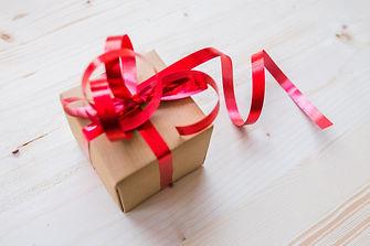 bow-box-gift-192538.jpg