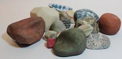Rocas en cerámica y porcelana