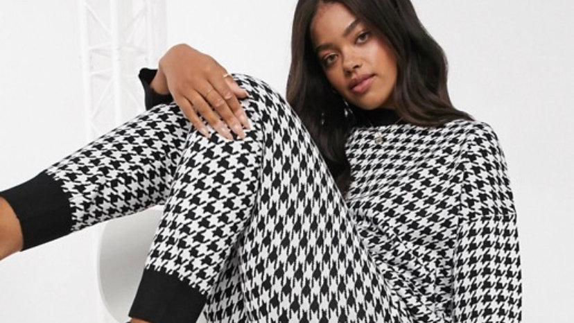 QED London jumper and jogger set in houndstooth