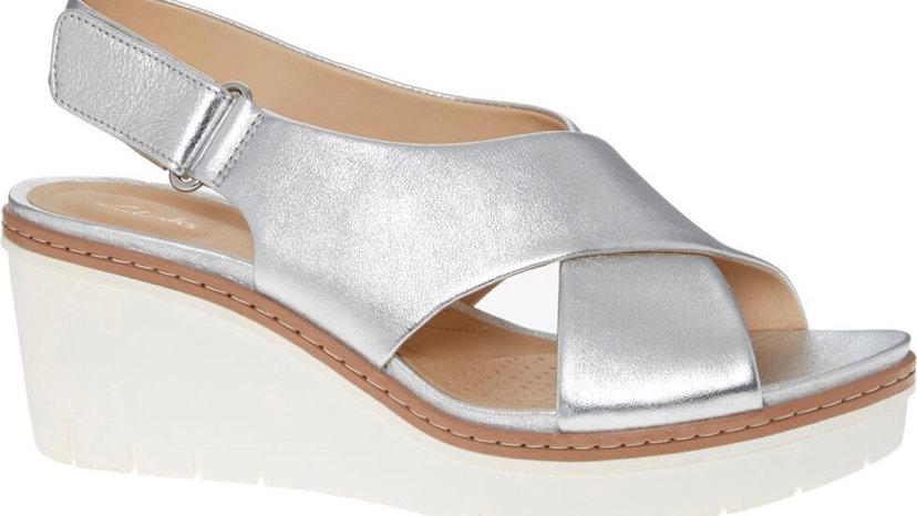 CLARKS Silver Tone Metallic Palm Candid Sandals