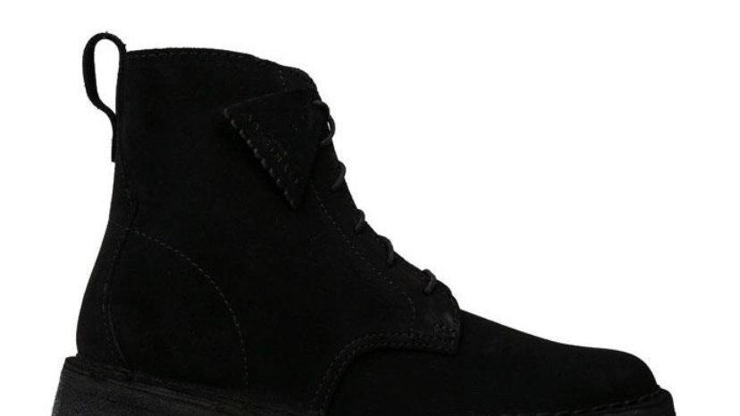 Clarks Originals Desert Mali Suede Boots in Black