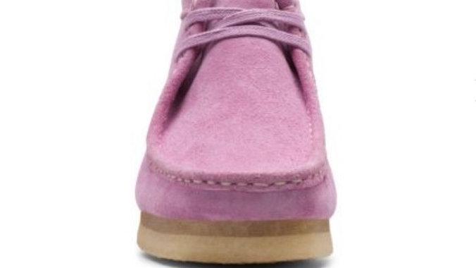 Clark's Wallabee Boot. Lavender Suede