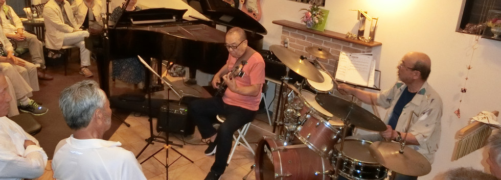 オープン2周年記念ジャズライブ by しまなみジャズトリオ