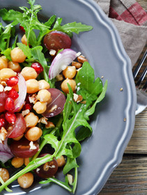 DETOX MENU: Garbonzo beans, pecans, grapes and pomegranate seeds