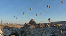 Eine Ballon-Fahrt zum Sonnenaufgang über das Wunderland Kappadokien