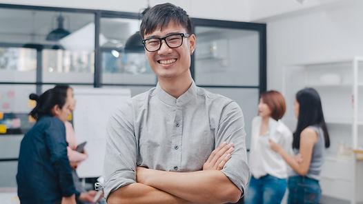 portrait-successful-handsome-executive-businessman-smart-casual-wear-looking-camera-smilin