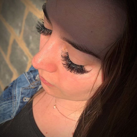 Beautiful Eyelash Extensions! 💖👀.jpg