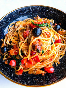 Tomato%20and%20Caper%20Spaghetti_edited.