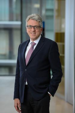 Dr. Christoph Caviezel