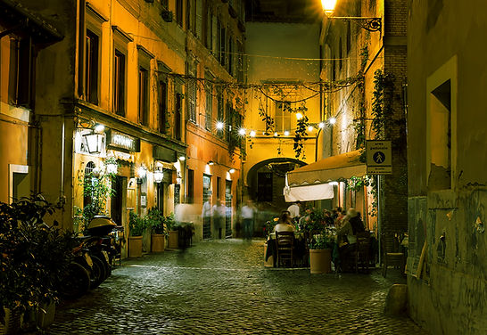 Ciuti Shop street scene Italy