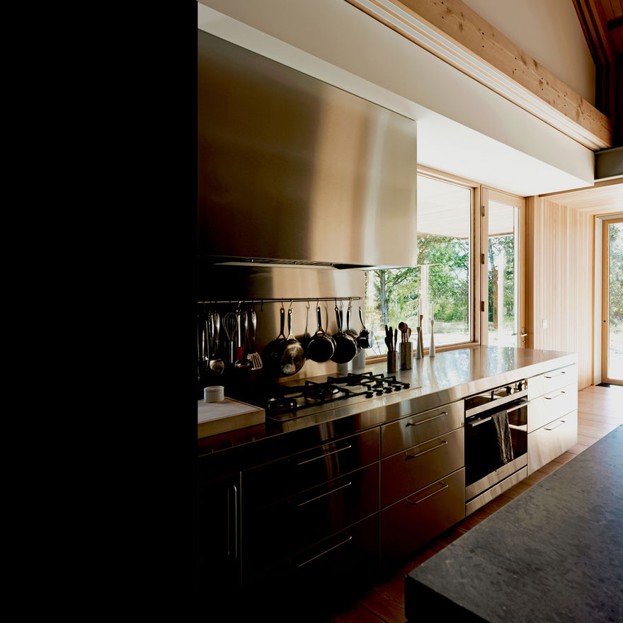 Scott and Scott Architects (Saanich Farmhouse Architect Design) Scott and Scott Architects Vancouver Canada