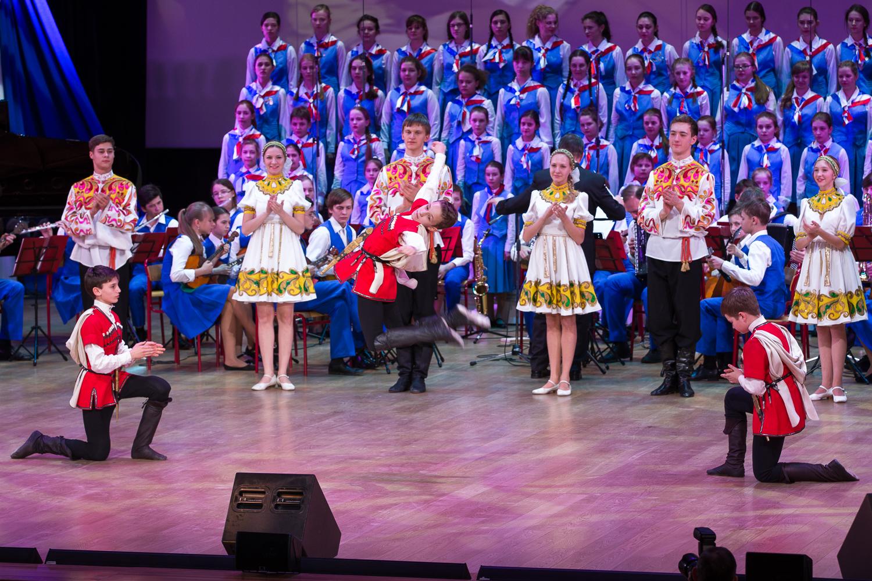 Детский концерт во Дворце пионер