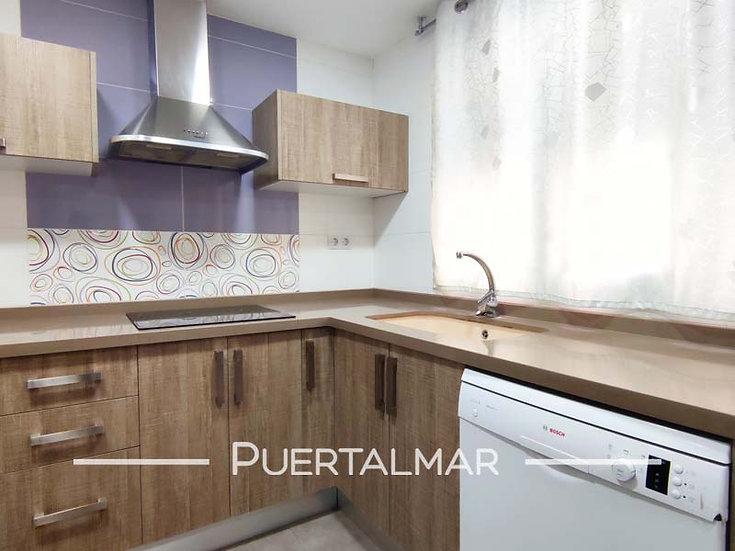 Piso en calle Churruca - Ensanche Diputación - Alicante:  4 Hab, 2 baños, Garaje