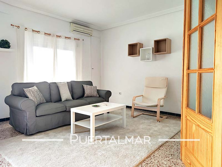 Piso en calle Garbinet - Carolinas - Alicante:  3 Hab, 2 baños,Terraza y galería