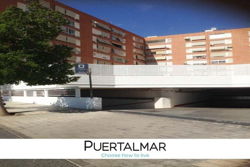 Garaje en el Centro - Alicante.  14 mts de largo