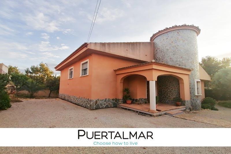 Chalet en Mutxamel - Alicante.  3 Hab, 3 baños, Garaje